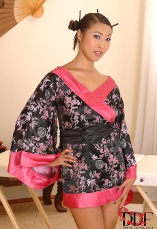 asian-french-girl-sex-01