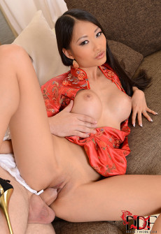 asian-lady-anal-sex-08