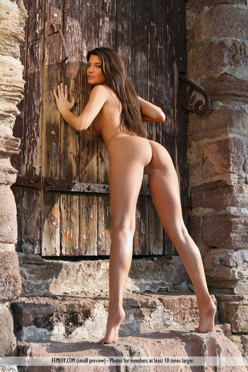 Beautiful nude french girls share