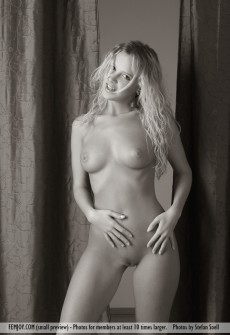 black-and-white-nude-pictures-09