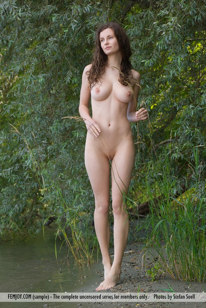 raw naked girl images