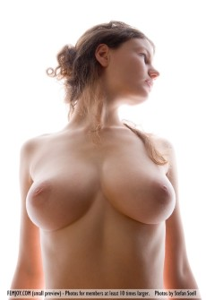 germany-babes-with-big-breasts-01