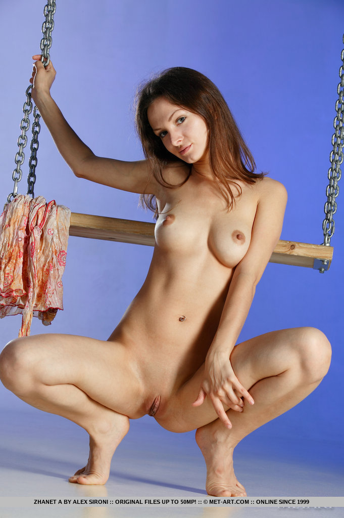 Swing on naked girl