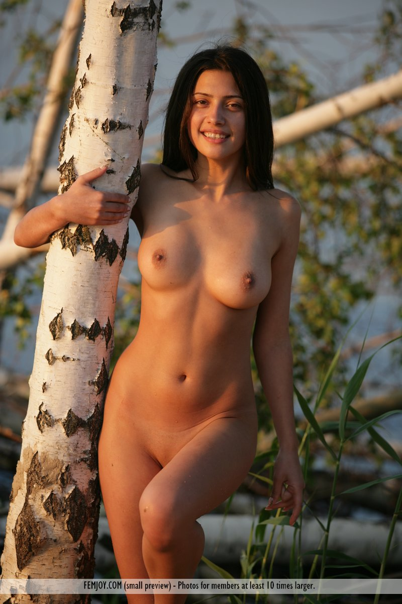 hot-nude-portugal-women