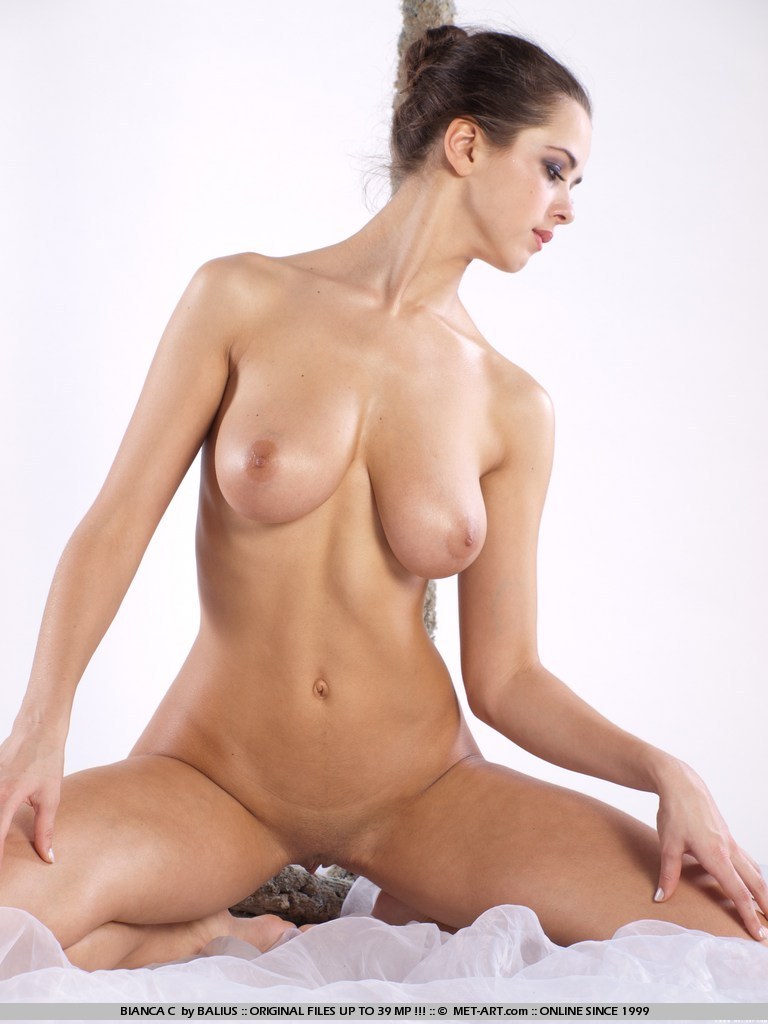 beautiful nude girls pictures