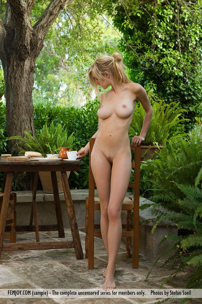 Hottest girls in europe naked