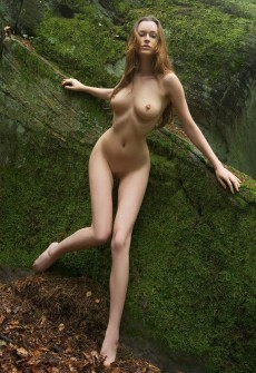 girl naked in forest