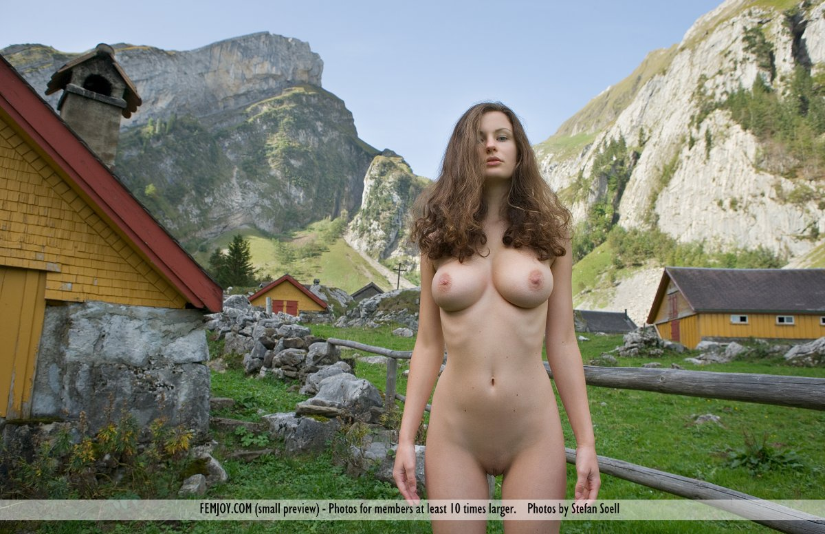 Naked Model Germany Model's Name: Susann Images From: Femjoy