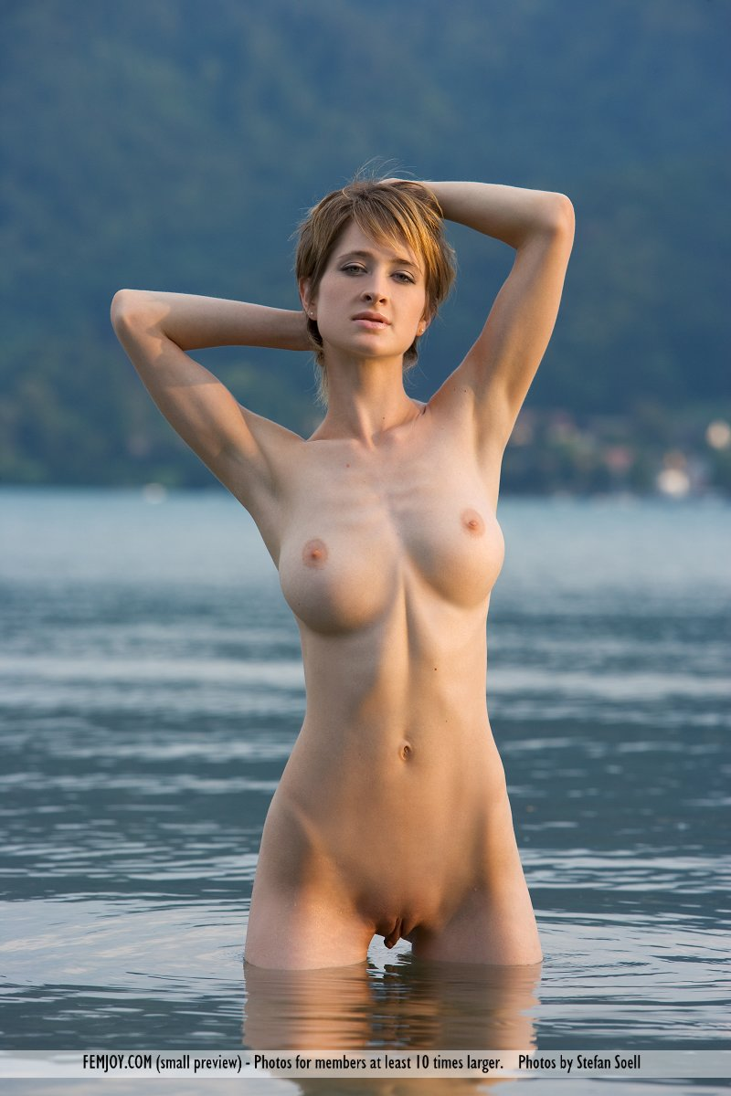 swis nude girls photos