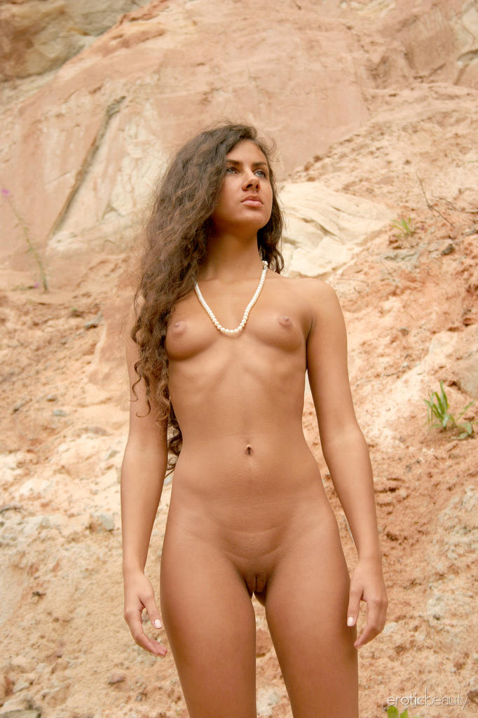 Natural nude women