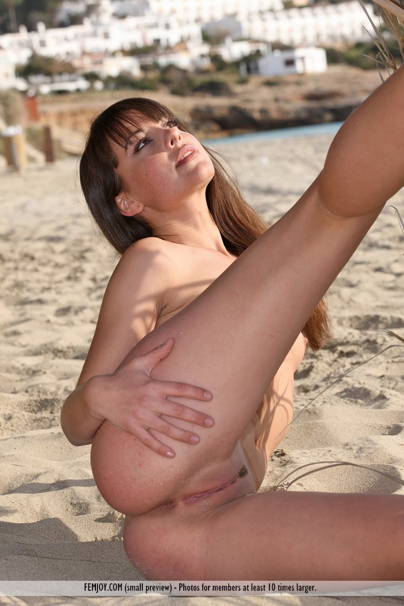 girl beach Spanish nude