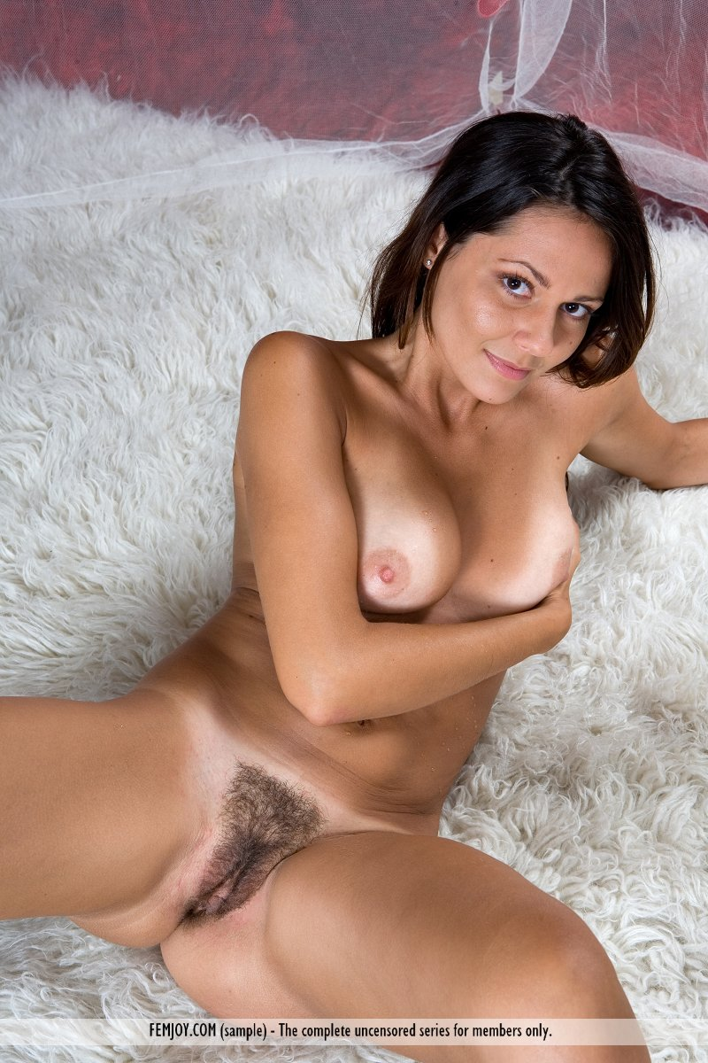 italian nude female model