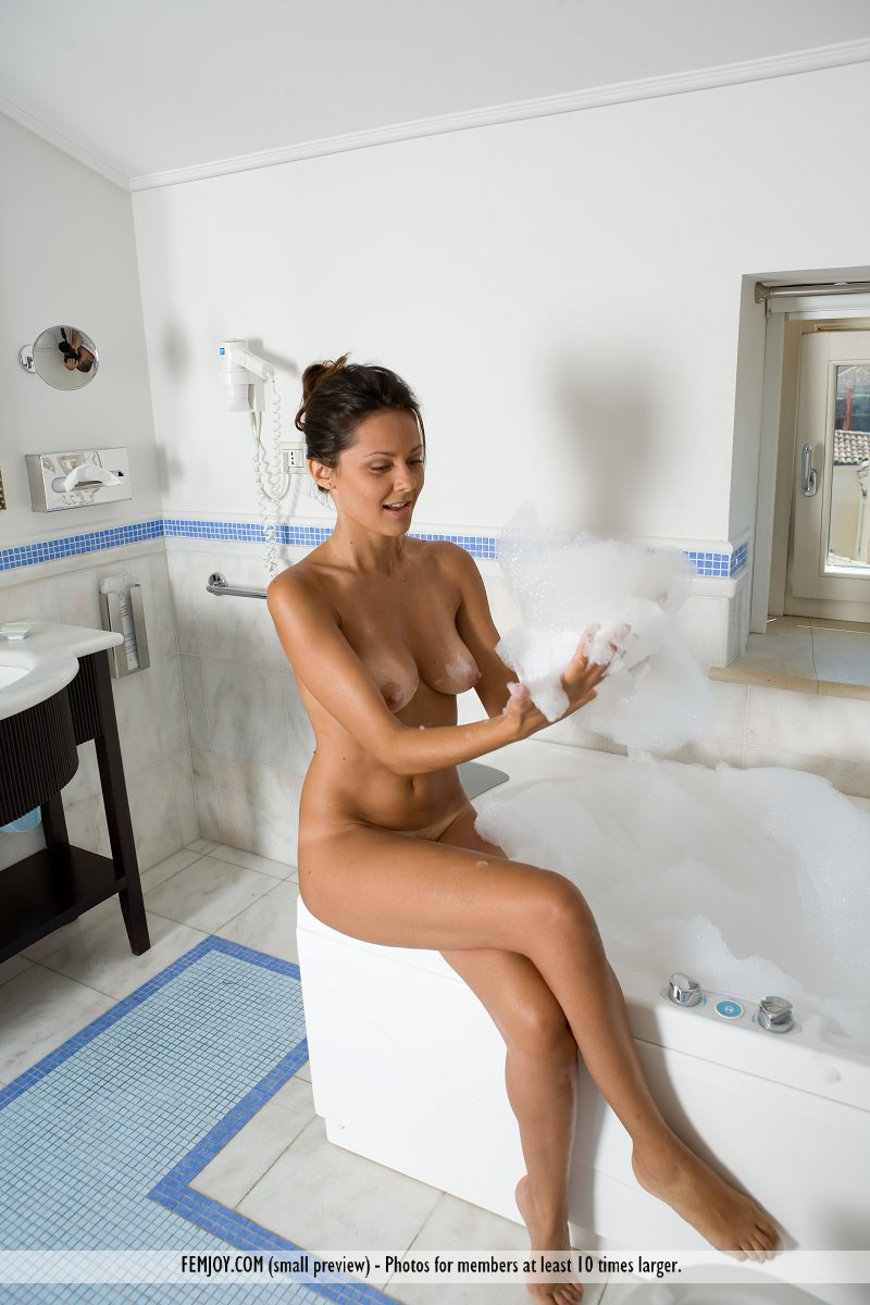 Mom! Euro naked in the shower the