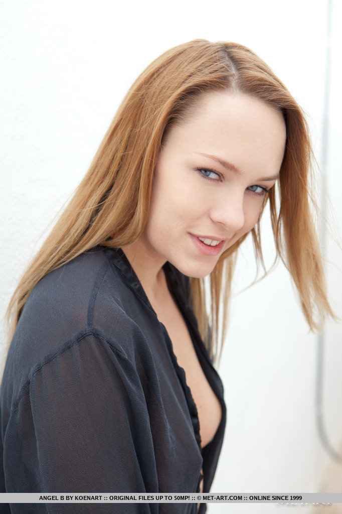 Euro Babes DB » Naked Babe Russia