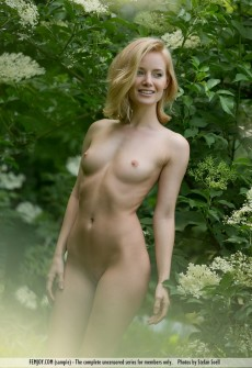 sexy-naked-model-12