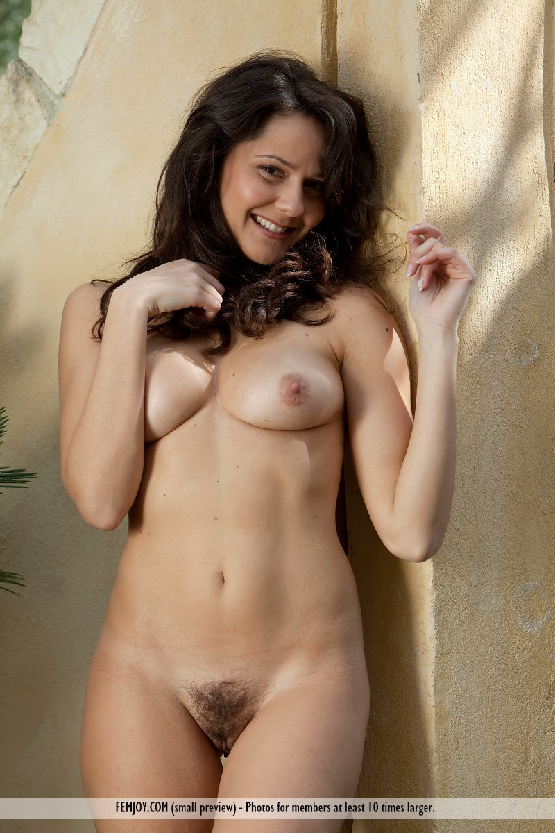 italian girls nude videos