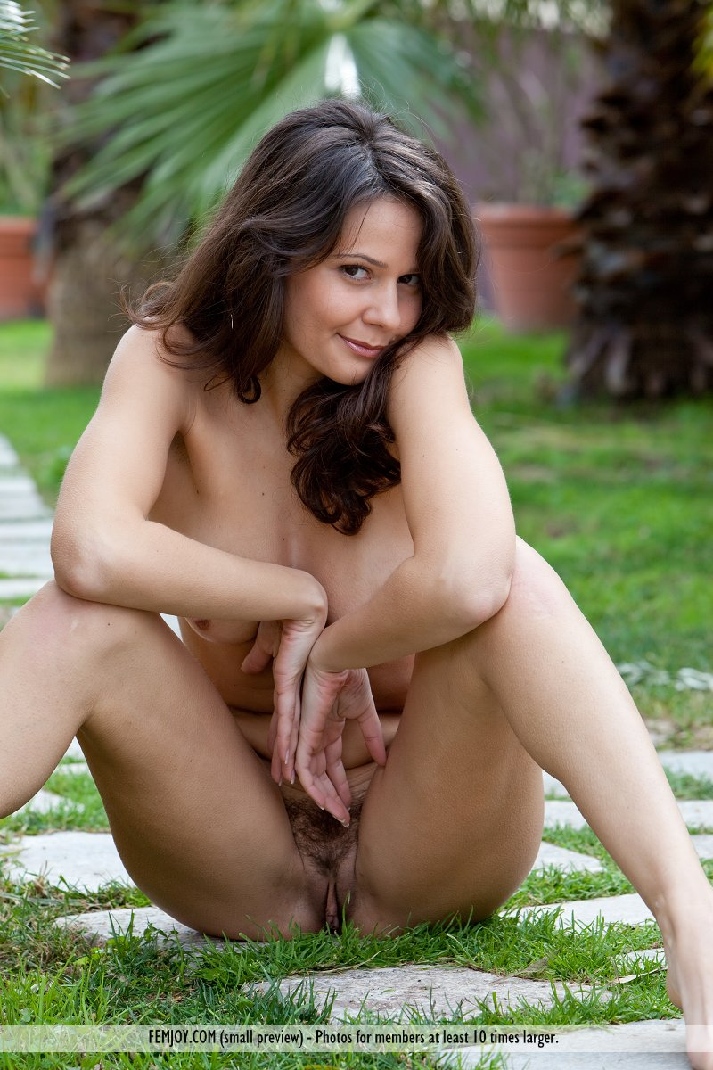 Italian nude galleries